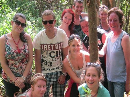 lynn-with-volunteer-group