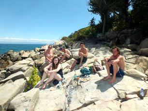 malawi-lake-mcclear-popular-weekend-getaway_-for-volunteers