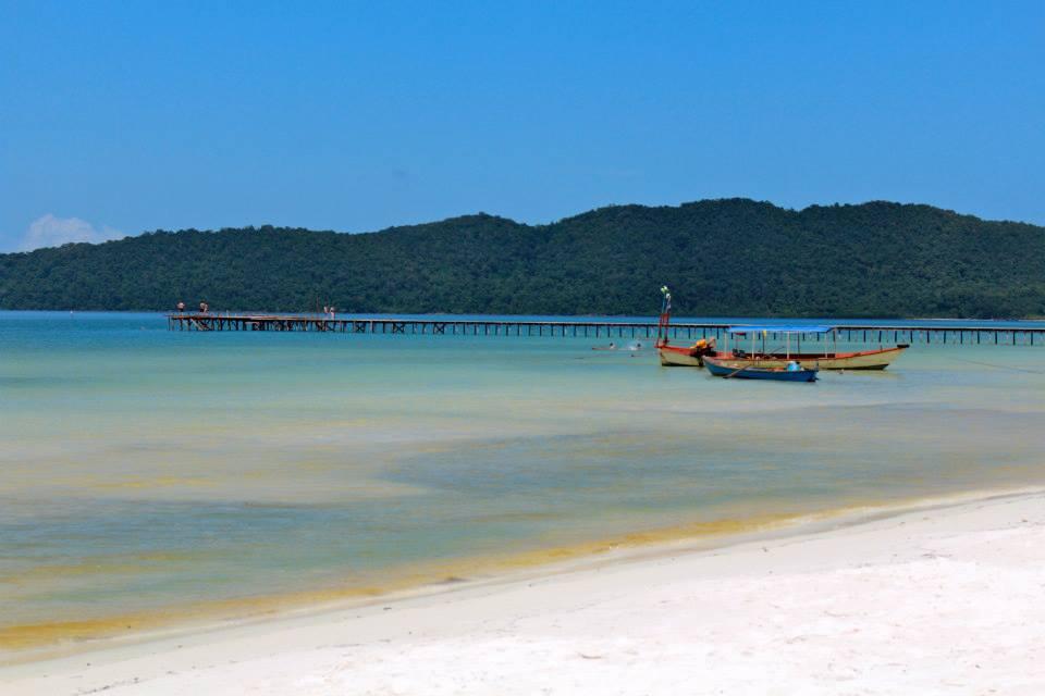 stunning-cambodia-beach