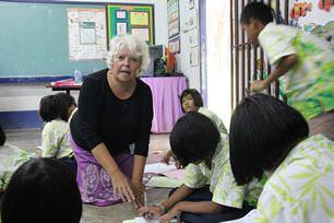teaching-moken-children-at-KN-School-thailand