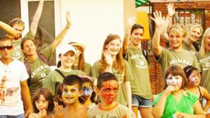 volunteer-group-at-shanty-town-varna