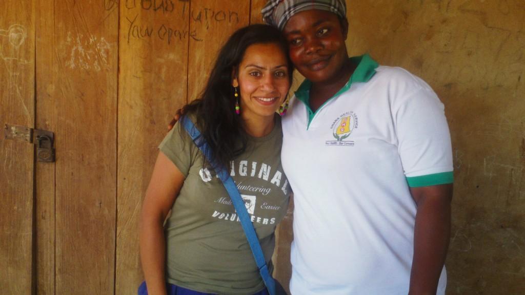 volunteer-suki-with-local-healthworker-in-ghana-1024x576