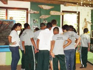 honduras-local-school-children-make-a-visit